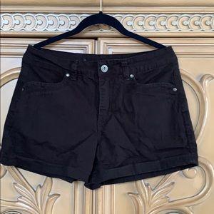 Gloria Vanderbilt stretchy black jean shorts guc M